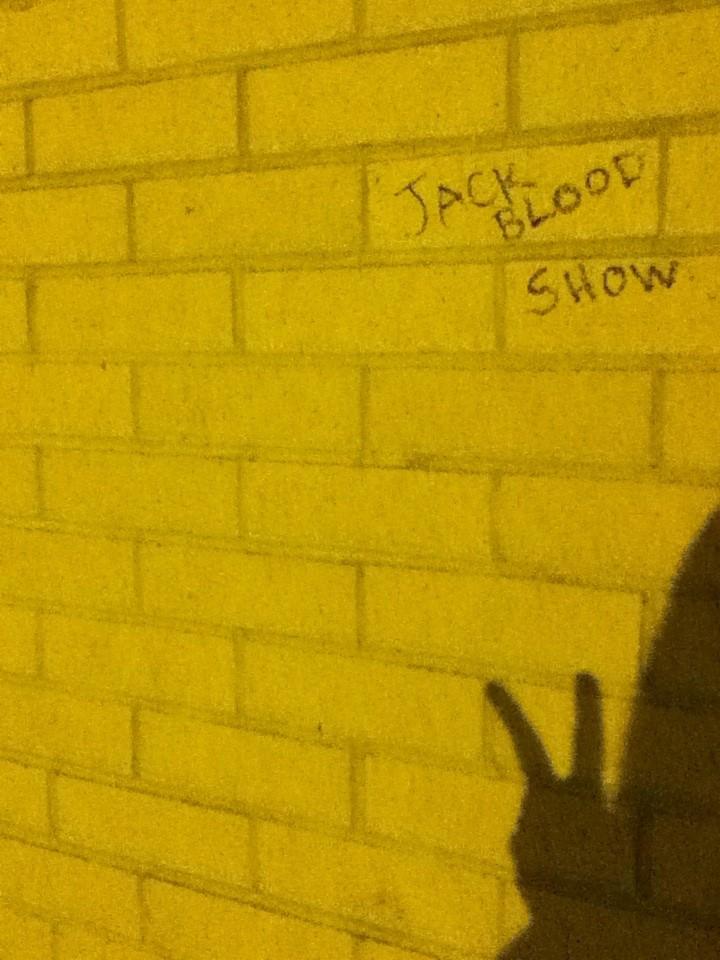 JB show bricks