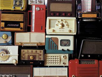 Sejarah Siaran AM, Perkembangan penyiaran awal